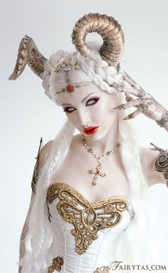 The White Demon Daughter - Halloween / Costume / Cosplay / Costuming Maquillage Halloween, Halloween Makeup, Halloween Costumes, Devil Halloween, Larp Costumes, Zombie Makeup, Scary Makeup, Easy Halloween, Halloween Party