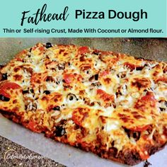 Quick And Easy Low Carb Fathead Pizza Dough - Looking for a Keto friendly, low carb pizza dough? Well Fathead dough is the delicious answer! Fat Head Pizza Crust, Fat Head Dough, Thin Crust Pizza, No Dough Pizza, Pizza Pizza, Pizza Recipes, Low Carb Recipes, Poulet Keto, Almond Flour Pizza Crust