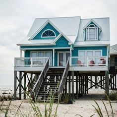 38 Popular Beach House Exterior Color Ideas - HOOMDESIGN Best Picture For cozy beach house decor For Your Taste You are looking for something, and it is going to tell you exactly what you are looking Beach Cottage Style, Coastal Cottage, Coastal Homes, Beach House Decor, Coastal Living, Cottage Art, Beach Homes, Southern Living, House On The Beach