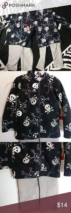 Boys 4t Skull Soft Outfit Hoodie Pants NWT Boys 4t Skull Soft Outfit Hoodie Pants  Excellent condition. Bundle : Lots of kids items Shirts & Tops Sweatshirts & Hoodies