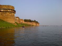 Allahabad fort and sangam, taken from my Blackberry during Kumbh Mela #photography
