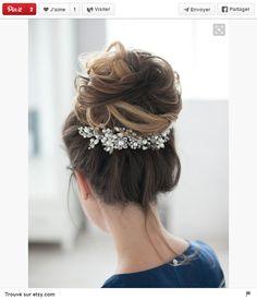 Profitez des fêtes de fin d'année pour mettre en valeur votre chevelure avec des accessoires féminins et so tendance. Voici nos meilleures inspirations repérées sur Pinterest.