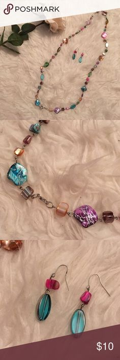 Colorful beaded necklace NEW (I'm not a accessory person lol) Jewelry Necklaces