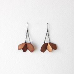 Flower Dangle Earrings Flower Copper Earrings Flower von RawObjekt