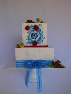 Winter Wedding - Rosemaling, Birds and Berries by Michelle27 … http://cakesdecor.com/cakes/102834
