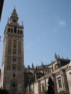 La Giralda and Catedral de Sevilla in Sevilla, España