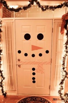 Turn your front door into a snowman!