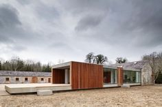 Modern addition to 18th century farm building in Dublin, Ireland