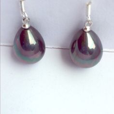 Earrings with drop shaped grey fresh pearl Beautiful fresh pearls! Grey color and Silver 925 hook! Jewelry Earrings