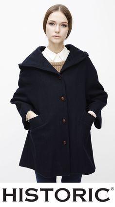 Cappotto dedicato alla grande diva Audrey Hepburn, Audry Coat è un capo vintage realizzato in idropanno di lana resistente all'acqua e per l'interno cotone grezzo.  #vintage #audreyhepburn #modadonna #fashion #historic #womenfashion #elegance