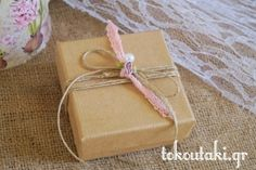 κραφτ κουτάκι με vintage λεπτομέρειες Gift Wrapping, Gifts, Vintage, Gift Wrapping Paper, Presents, Wrapping Gifts, Favors, Vintage Comics, Gift Packaging