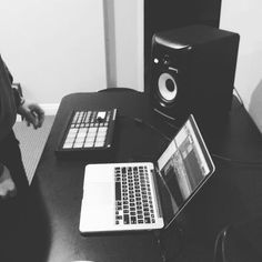 S/o to @biggkidmusic - Trying out the new #drumkit from #soundoracle , #OracleVault pt.1 #beats #hiphop #drums >>> https://www.instagram.com/p/BNYD-AwBgp6/?tagged=soundoraclehl=en