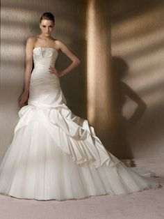 Glamorous trumpet style wedding dress