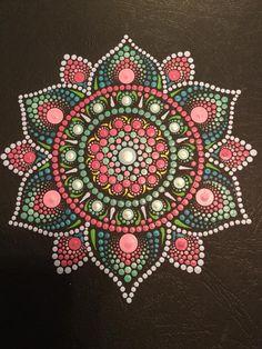 Image gallery – Page 58898707612441182 – Artofit Mandala Canvas, Mandala Artwork, Mandala Painting, Mandala Drawing, Dot Art Painting, Pebble Painting, Pebble Art, Stone Painting, Mandala Painted Rocks