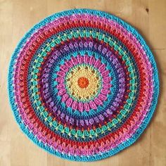 I've never made a mandala so for today's I'm sharing this pic from the super talented Lucy from I really like the idea of making a couple of these for our dining room table to rest a vase full of flowers on so it's firmly on my Crochet Placemat Patterns, Crochet Mandala Pattern, Crochet Doilies, Knitting Patterns, Knitting Ideas, Crochet Home Decor, Crochet Crafts, Crochet Round, Love Crochet