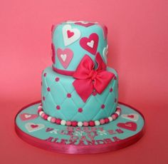 lovely valentines cake that isn't too much pink