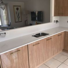 Kitchen of the week… Located in Papworth Everard, Cambridgeshire, showcasing the Bianco De Lusso - Rock and Co Granite Ltd Space Up, White Quartz, Kitchen Cabinets, Luxury, Wood, Kitchens, Home Decor, Decoration Home, Woodwind Instrument