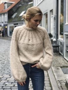 Ravelry: Sunday Sweater pattern by PetiteKnitSunday Sweater minimalist scandinavian inspired style outfit ideas and inspo blo.Knitting İdeas - Sunday Sweater - My Popular Photo L i Snefnug og AngelImage may contain: 1 person, standing and outdoor Fashion Moda, Knit Fashion, Sweater Fashion, Sweater Outfits, Fashion Outfits, Fashion Ideas, Style Fashion, Knitting Blogs, Knitting For Beginners