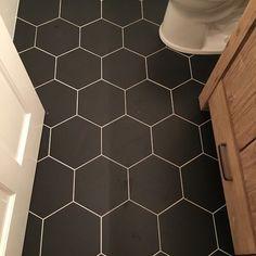Most Popular Black Bathroom Design Ideas Black Hexagon Tile, Black Tiles, Hexagon Tiles, Hexagon Tile Bathroom, Hex Tile, Black Tile Bathrooms, White Bathroom, Bathroom Interior, Black Bathroom Floor