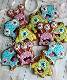 Монстрики ))) #пряникисанктпетербург #имбирноепеченье #имбирныепряники #козули #кэндибар #сладкийстол #детскийпраздник #пряникиспб #пряникиназаказ #gingerbread #galetasdecoradas #monsters #amazing