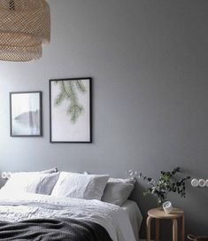 Vintage and modern elements combined -in a grey bedroom Gray Bedroom Walls, Grey Walls, Mauve Bedroom, Bedroom Black, Bedroom Modern, Bedroom Vintage, Home Decor Bedroom, Bedroom Ideas, Bedroom Designs