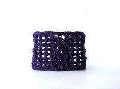 Dark Purple Crochet Bracelet Mesh Cuff  di TreasureChestCrochet