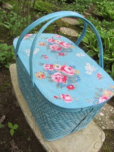 My Shabby Chateau: Vintage Picnic Basket Makeover