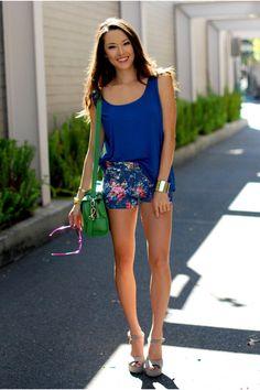 Green-vivilli-bag-teal-popcouture-shorts-beige-steve-madden-heels_400