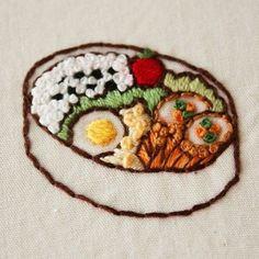 お弁当の刺繍は楽しい . #刺繍 #手刺繍 #お弁当# bento#embroidery