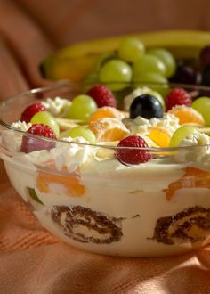 Štědrovečerní puding - Foto: Josef Kubát Fun Baking Recipes, Cooking Recipes, Sweet Desserts, Sweet Recipes, Creamy Fruit Salads, Czech Recipes, Dessert Decoration, Savory Snacks, Trifle