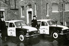 Salford City Police officers proudly present their new fleet of Hillman Minx patrol cars. British Police Cars, Manchester Police, Salford City, Old Lorries, Emergency Vehicles, Police Vehicles, Emergency Response, Back In The Day, Law Enforcement