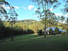 Melawondi Spring Retreat Imbil Nestled on 30 acres of bush land, Melawondi Spring Retreat boasts panoramic views of the Mary Valley. All rooms offer a patio to enjoy the view, and guests receive free daily breakfast provisions including bacon and eggs.