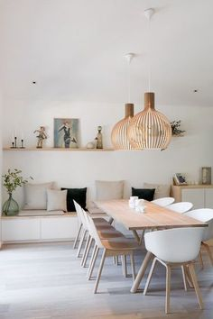 Get inspired by these dining room decor ideas! From dining room furniture ideas, dining room lighting inspirations and the best dining room decor inspirations, you'll find everything here! Dining Room Inspiration, Design Inspiration, Modern Kitchen Design, Modern Design, Dining Room Design, Ikea Dining Room, Dining Room With Bench, Table With Bench Seat, Table Chaise