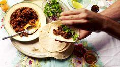 Braised goat with tortillas recipe (birria) : SBS Food Quail Recipes, Goat Recipes, Mexican Food Recipes, Ethnic Recipes, Recipe For Birria, Crockpot Recipes, Healthy Recipes, Taco Fillings, Sbs Food