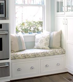 Your Kitchen with Colorful Fabric Kitchen window seat with storage below.Kitchen window seat with storage below. Window Seat Kitchen, Window Seat Storage, Kitchen Nook, Kitchen Storage, Kitchen Units, Window Benches, Window Seats, Home Kitchens, Small Spaces