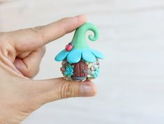 Best Picture For Polymer Clay Projects fairy houses For Your Taste You are looking for something, an Polymer Clay Fairy, Polymer Clay Animals, Cute Polymer Clay, Cute Clay, Polymer Clay Dolls, Polymer Clay Miniatures, Polymer Clay Projects, Polymer Clay Creations, Resin Crafts