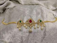 Gold Temple Jewellery, Gold Jewellery Design, Bead Jewellery, Diamond Choker, Gold Choker, Indian Wedding Jewelry, Bridal Jewelry, Ruby Jewelry, Gold Jewelry