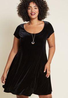Black Velvet Plus Size Little Black Dress. This is the perfect little black dress for plus sizes. #GetHerStyle #CurvyFashion #PlusSizeFasion #PlusSize #PlusSizeStyle #PlusSizeDresses #Fashionista #FashionBloggers #GetHerLook