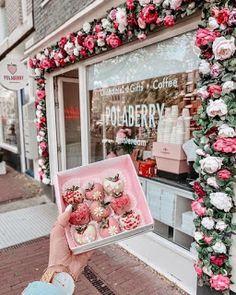 Cake Shop Design, Coffee Shop Design, Bakery Design, Store Design, Design Design, Deco Cafe, Vitrine Design, Amsterdam Photography, Pink Cafe