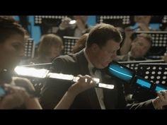 Advertisement Un orchestre symphonique piège son public (version longue)