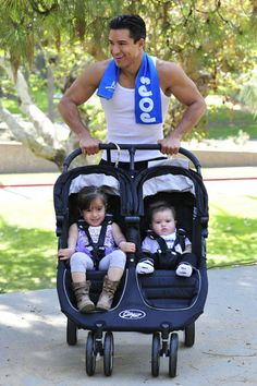 Mario Lopez works out with his adorable kiddos in Los Angeles. Celebrity Fitness, Celebrity Workout, Celebs, Celebrities, Stay Fit, In Hollywood, Baby Strollers, Mario, Children