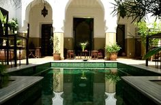 Riads of Marrakech are intertwined with the history of the city. So when staying in Marrakech, it's the natural choice to stay in a riad. The riads make up some of the top luxury hotels in Marrakech medina. Outdoor Pool, Outdoor Spaces, Outdoor Living, Outdoor Decor, Riads In Marrakech, Marrakech Morocco, Interior Garden, Interior And Exterior, Interior Design