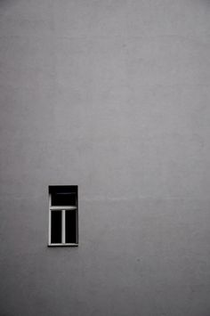mahais grey // expansive wall with window in monochrome Window Photography, Minimal Photography, Urban Photography, Black And White Photography, Amazing Photography, Photography Magazine, Simplicity Photography, Photography Blogs, Iphone Photography