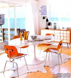 beautiful bright dining room, the view doesn't hurt.