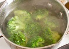 Broccoli cu sos de brânză și usturoi - o cină perfectă pentru o siluetă de invidiat! - Bucatarul Broccoli, Vegetables, Vegetable Recipes