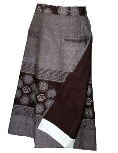 The umbhinqo kaMakoti skirt and doek set for new brides will be made in your choice of blue or brown shweshwe panels. For custom made African fashion. Xhosa Attire, African Attire, African Wear, African Style, African Beauty, Seshoeshoe Dresses, African Maxi Dresses, Women's Fashion Dresses, Zulu Traditional Wedding Dresses