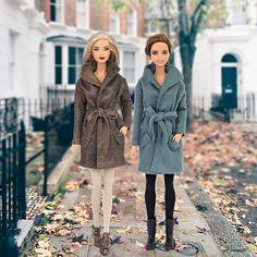 Gabardine bleu simili cuir pour Barbie et par BarbieandIntegrity