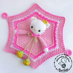 Super Ideas For Crochet Beanie Animal Hello Kitty Crochet Security Blanket, Crochet Lovey, Lovey Blanket, Crochet Beanie, Crochet Gifts, Diy Crochet, Crochet Toys, Crochet Squares Afghan, Crochet Blanket Patterns