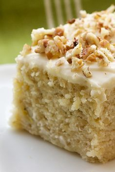 Banana Cake with Cream Cheese Frosting // swap out egg replacer, coconut oil and vegan cream cheese for vegan. Beautiful.