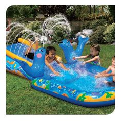 For ages 2+ Toddler-sized inflatable slide and splash pool Gentle seal showering sprinklers Easily attaches to any garden hose. Banzai has the BEST SUMMER Backyard Toys for you to play and get SOAKED! #FunYourself!